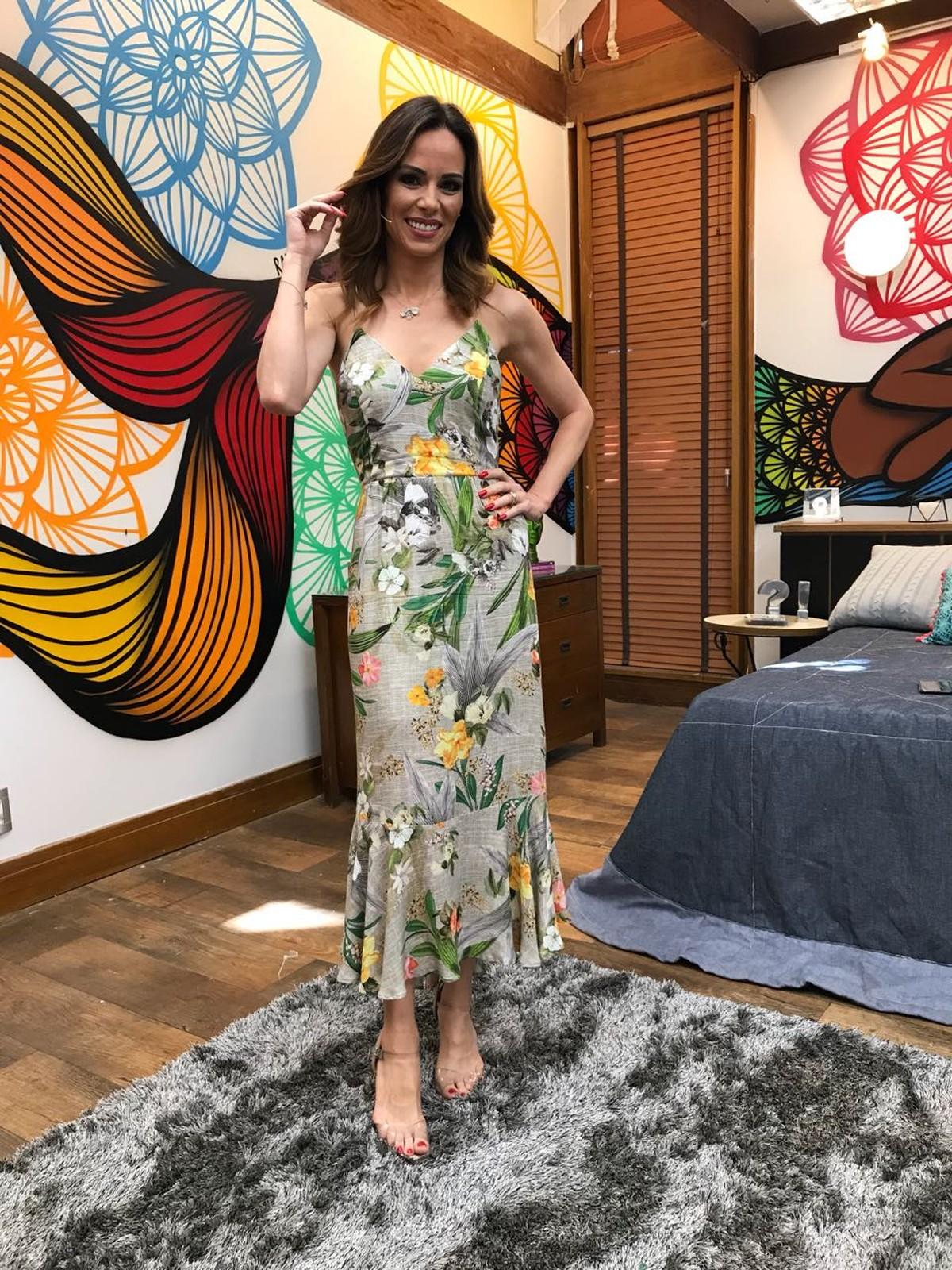 a597895b2 Ana Furtado aposta em vestido floral para o  É de Casa