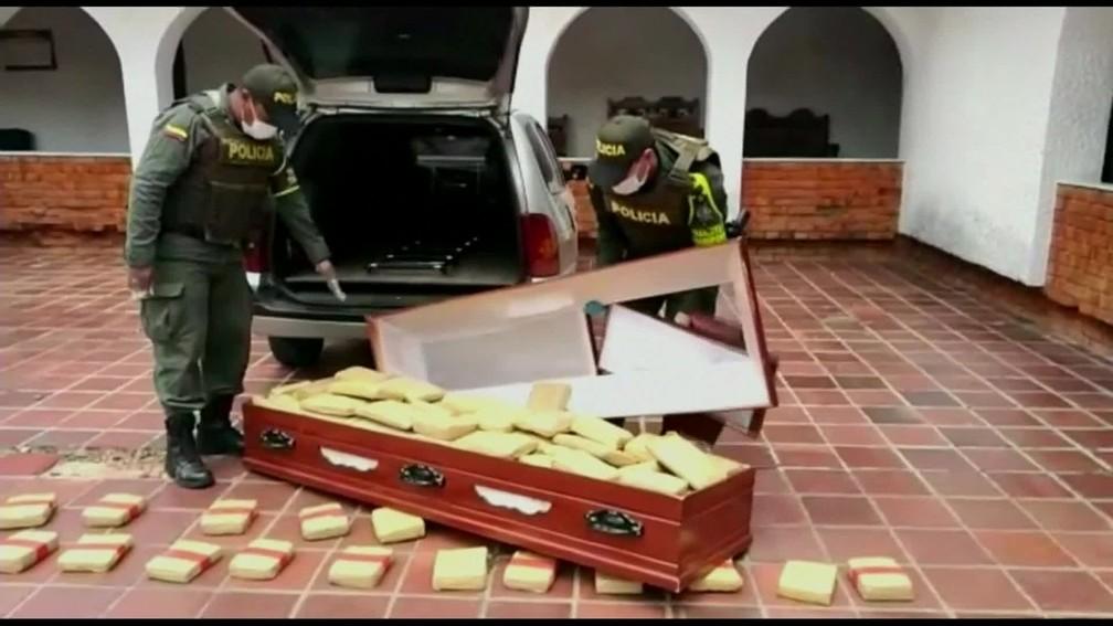 Polícia da Colômbia apreende 300 quilos de maconha dentro de caixões — Foto: Reprodução/TV Globo