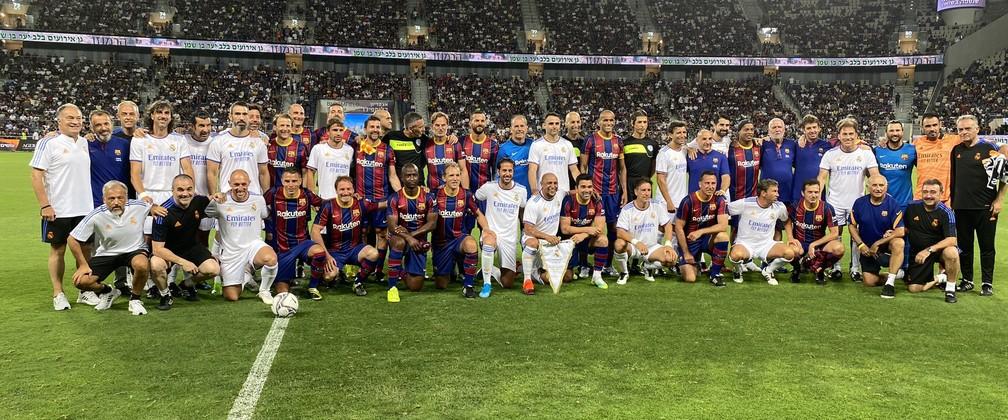 Times do Real Madrid e do Barcelona reunidos para amistoso de ex-jogadores em Israel — Foto: Divulgação/VeteranosRM
