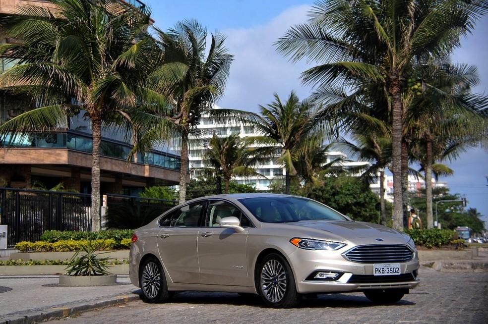 Ford Fusion Hybrid 2017 (Foto: Divulgação)
