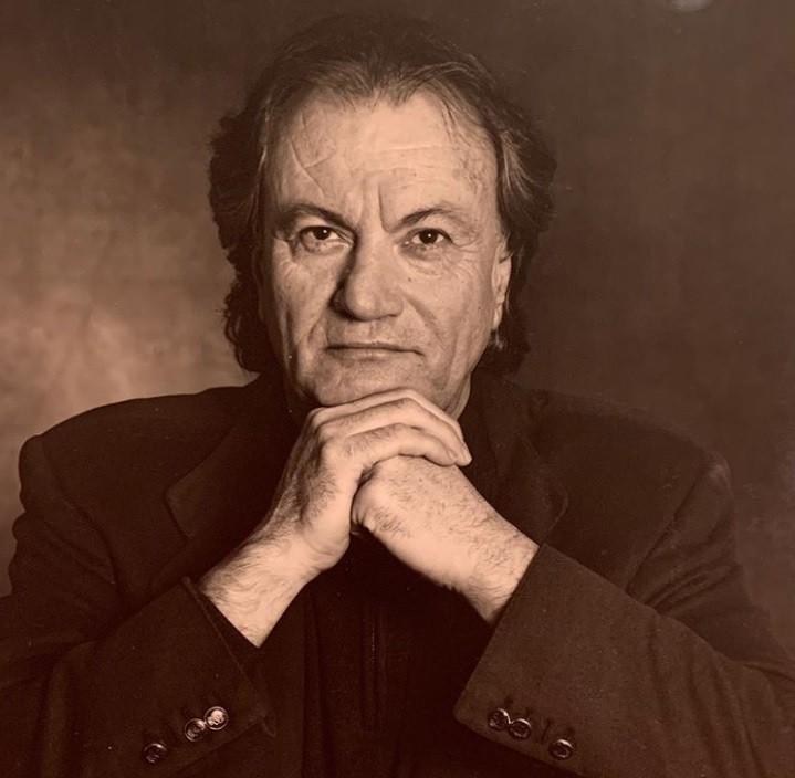 Sergio Rossi, estilista italiano de sapatos de luxo, morre aos 85 anos vítima do coronavírus