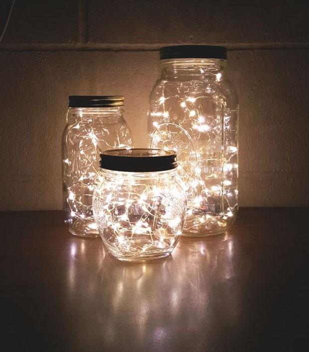 Potes de vidro: Lanternas personalizadas com led (Foto: Pinterest/Reprodução)