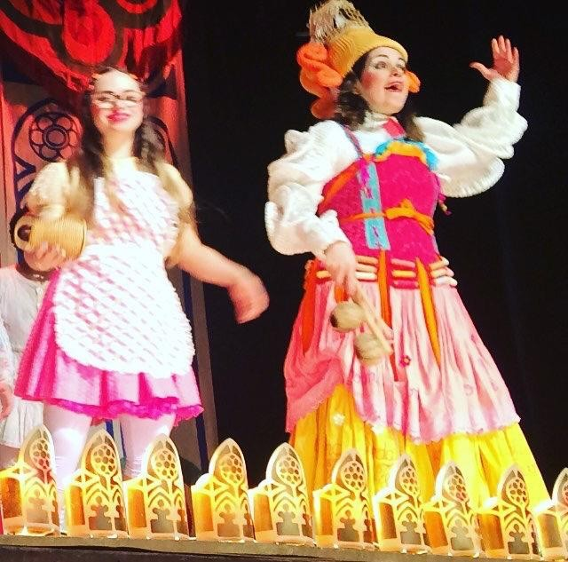"""Joana interpretou """"A menina"""" na peça """"O Reizinho Mandão"""" (Foto: Arquivo Pessoal)"""