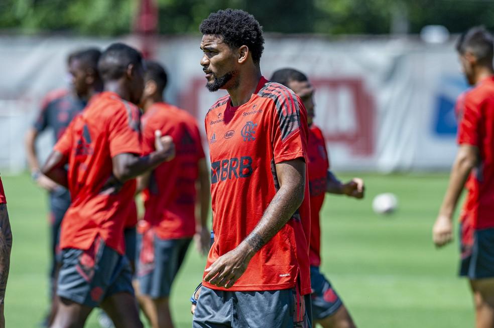 Bruno Viana em treino no Flamengo — Foto: Marcelo Cortes / Flamengo