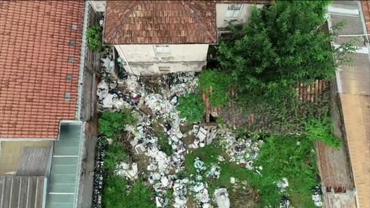 Justiça de Agudos, SP, autoriza limpeza de casa com focos de mosquito da dengue
