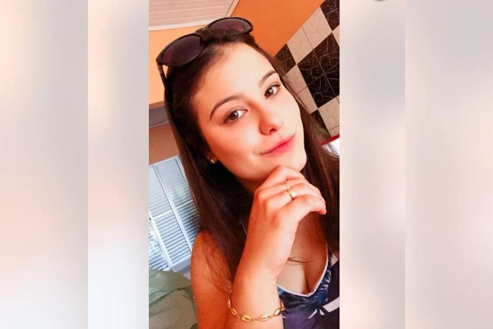 Paula Schaiane Perin Portes de 18 anos  — Foto: Arquivo pessoal