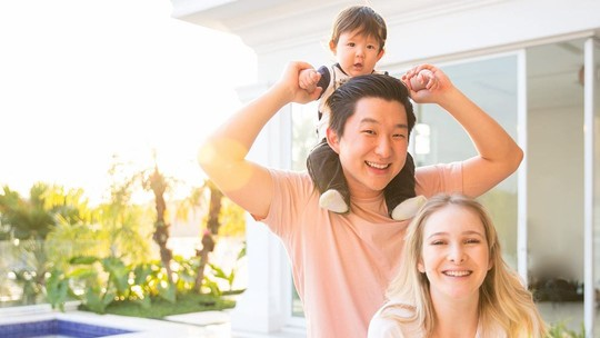 Pyong Lee celebra um ano de casado com Sammy e se declara: 'Obrigado por ser a mulher perfeita'