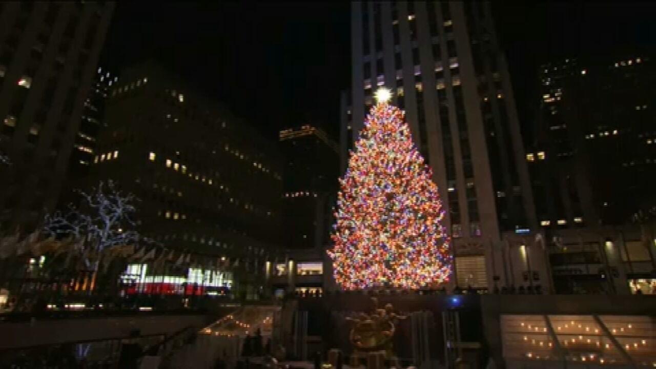 Árvore de Natal mais famosa dos EUA é inaugurada sem público