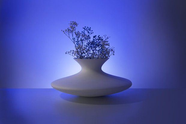 Experimento permite projetar vasos de acordo com ondas cerebrais (Foto: Divulgação)