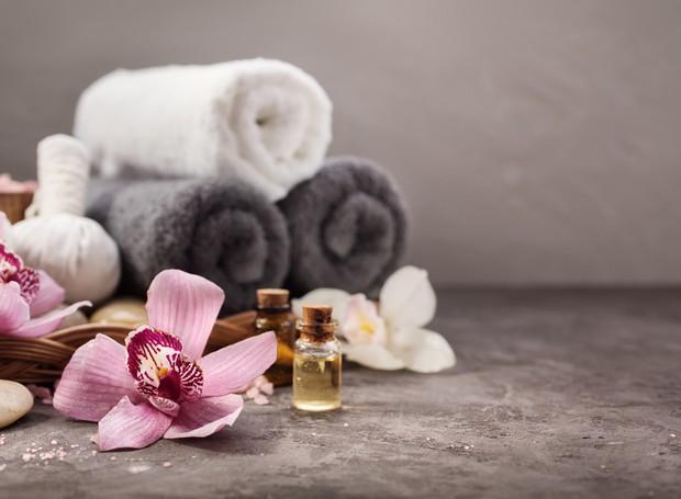 Faça um banho relaxante para amenizar o estresse do dia a dia  (Foto: Thinkstock)