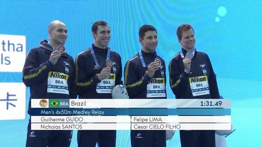 É bronze! Revezamento 4x50m medley conquista terceira medalha para o Brasil no mundial