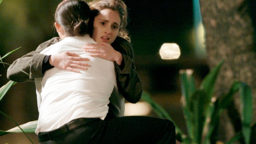 Depois do susto, Ivana agradece Nonato (Foto: TV Globo)