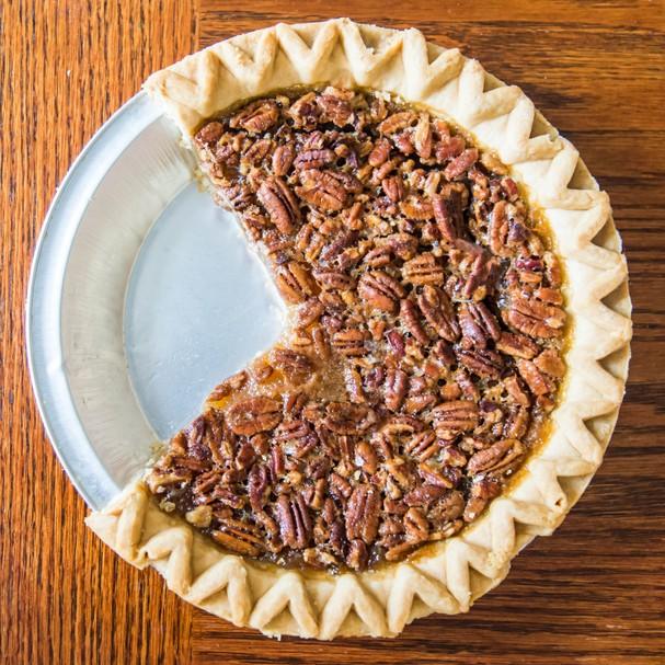 Torta de caramelo salgado com nozes  (Foto: Thinkstock/Getty Images)