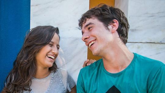 Lara Coutinho e Vitor Novello respondem quiz sobre o casal