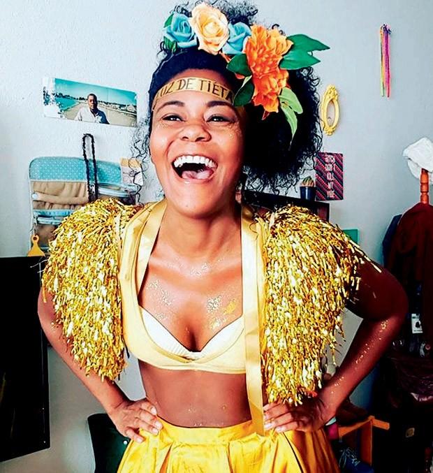 """Mônica Honorato, 31,  publicitária - """"Investi em hashtags e por causa delas conheci um boy""""  (Foto: Arquivo Pessoal)"""