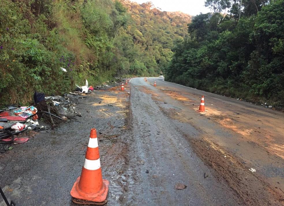 Trecho do acidente fica pouco antes do túnel na Floriano Rodrigues Pinheiro — Foto: Laurene Santos/ TV Vanguarda