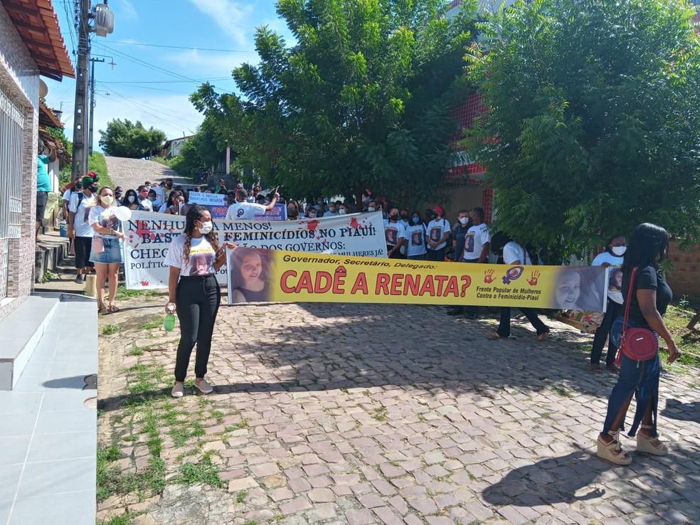 Grupos de apoio fazem manifestações sobre desaparecimento da jovem  — Foto: Arquivo Pessoal