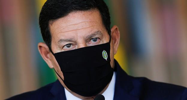 Brasil vai diminuir em 2 ou 3 anos meta de zerar desmatamento ilegal, diz Mourão