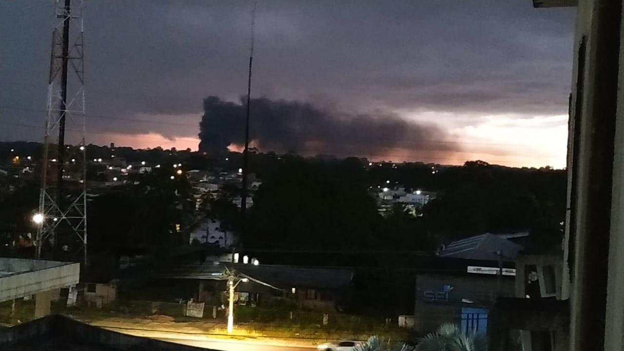 Fumaça em área de mata assusta moradores do Tapanã, em Belém