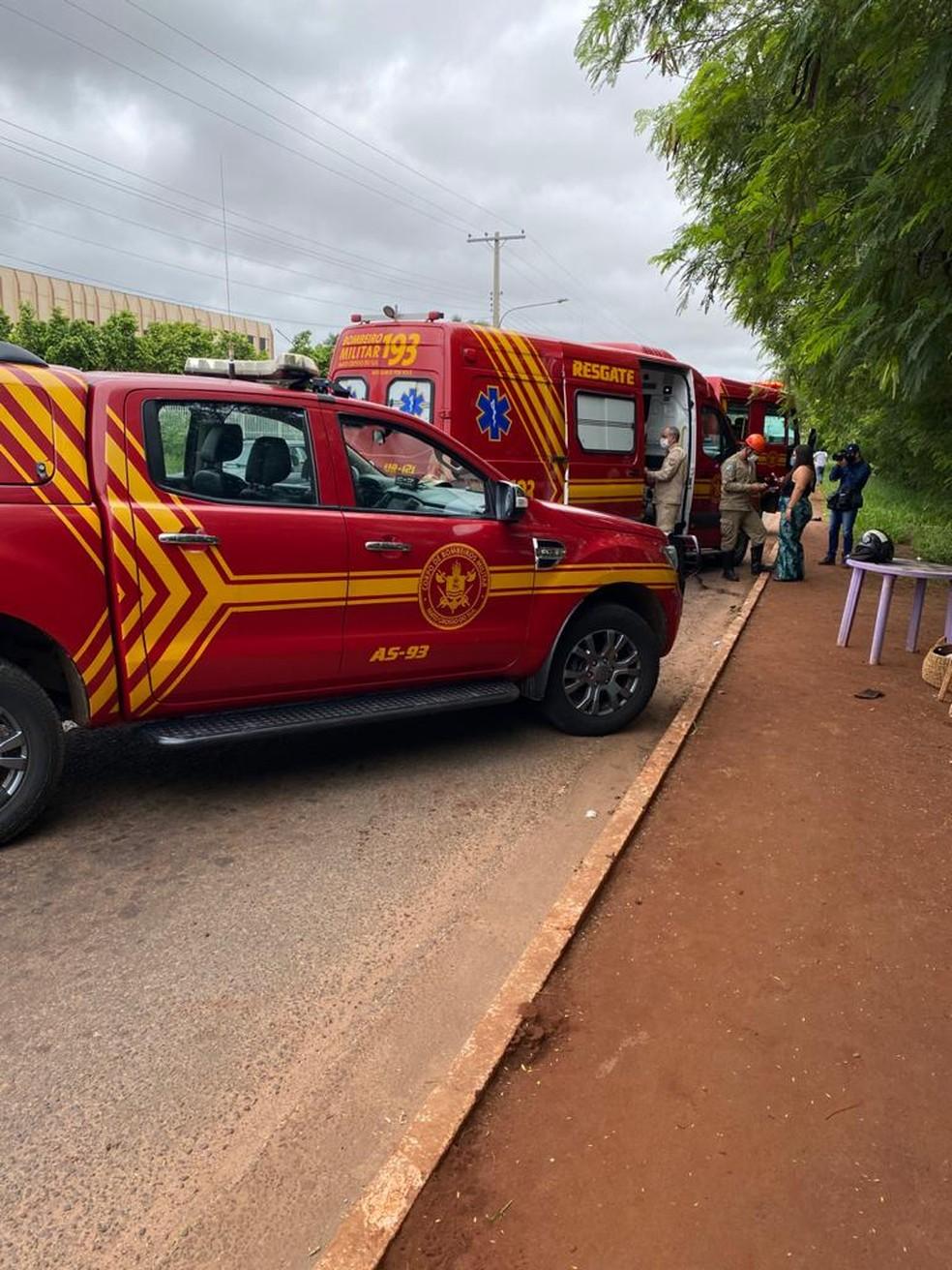 Corpo de Bombeiros no local do acidente — Foto: Corpo de Bombeiros/Divulgação