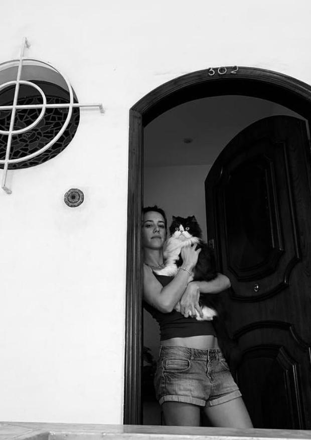 """Um dia depois de demissão da Globo, Cris Dias alfineta em foto: """"Do lar"""" (Foto: Reprodução/Instagram)"""