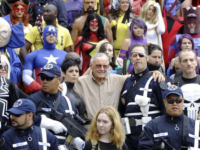 Stan Lee com fãs em 2011 (Foto: Flickr/Susumu Komatsu)