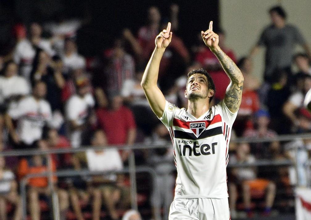 Alexandre Pato é o artilheiro do São Paulo no Brasileirão, com cinco gols — Foto: Marcos Ribolli