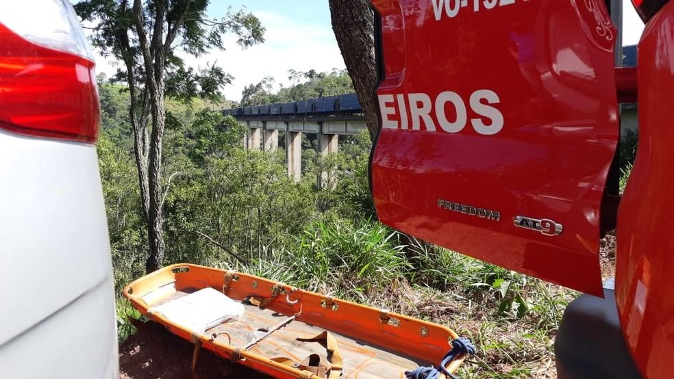 Corpo foi encontrado em área de mata entre Alumínio e Mairinque — Foto: São Roque Notícias
