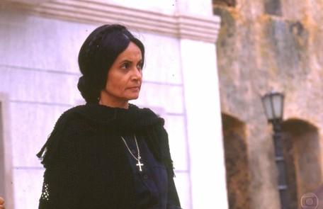 Em 'Tieta' (1989), Perpétua (Joana Fomm) guardava o pênis do falecido marido numa caixa secreta em seu guarda-roupas TV Globo