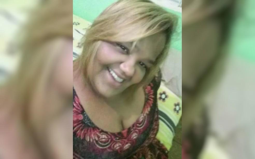 Ailsa Regina Gonzaga, de 40 anos, desapareceu em Goiânia — Foto: TV Anhanguera/Reprodução