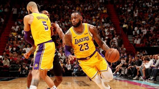 LeBron marca 51 pontos contra ex-time, e Lakers vencem Heat fora de casa