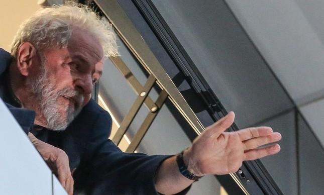 O ex-presidente Lula no dia em que foi preso e levado para Curitiba