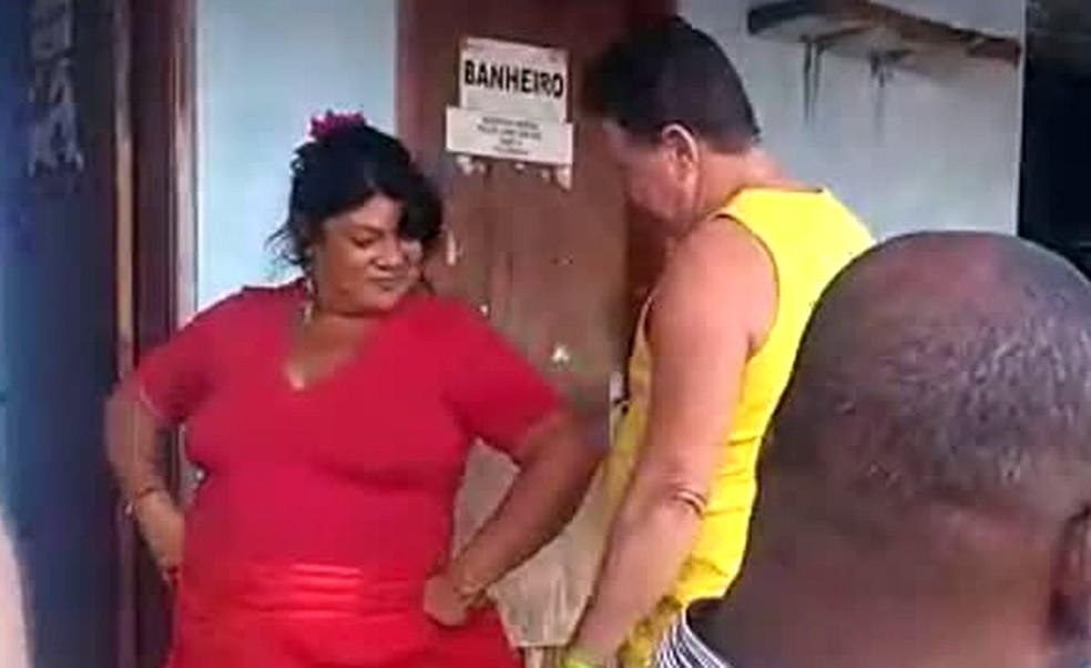 Janete aparece dançando em vídeo feito antes do ataque ao bar — Foto: Reprodução/TV Globo