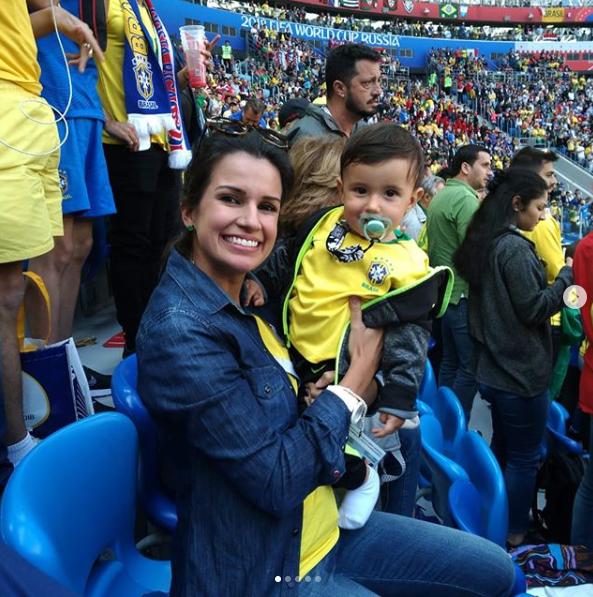 Fernanda com o filho Lucca no colo (Foto: Reprodução Instagram)