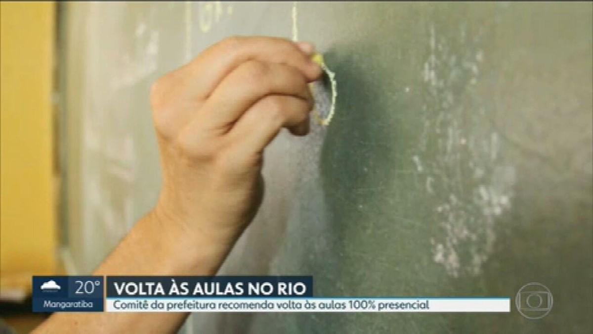 Estudantes de parte da rede municipal do Rio voltam a ter aulas sem rodízio