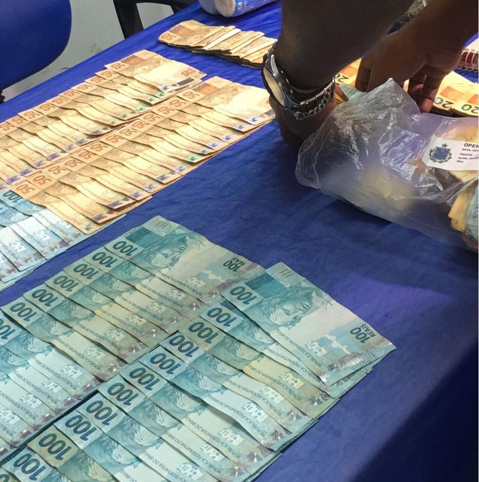"""Durante a operação """"Polêmica"""", foram apreendidos R$ 16 mil em espécie (Foto: Luana Almeida/G1)"""