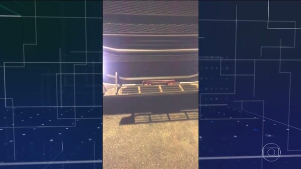 Motoristas usam 'kit evasão' para passar sem pagar pedágios (Foto: Reprodução/TV TEM)
