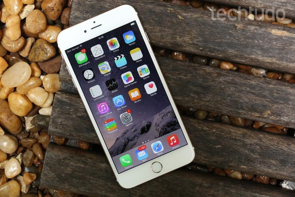 iphone-6-s-faixa-home — Foto: iPhones 6 e 6S têm opções de desbloqueio por digital (Foto: Lucas Mendes/TechTudo)