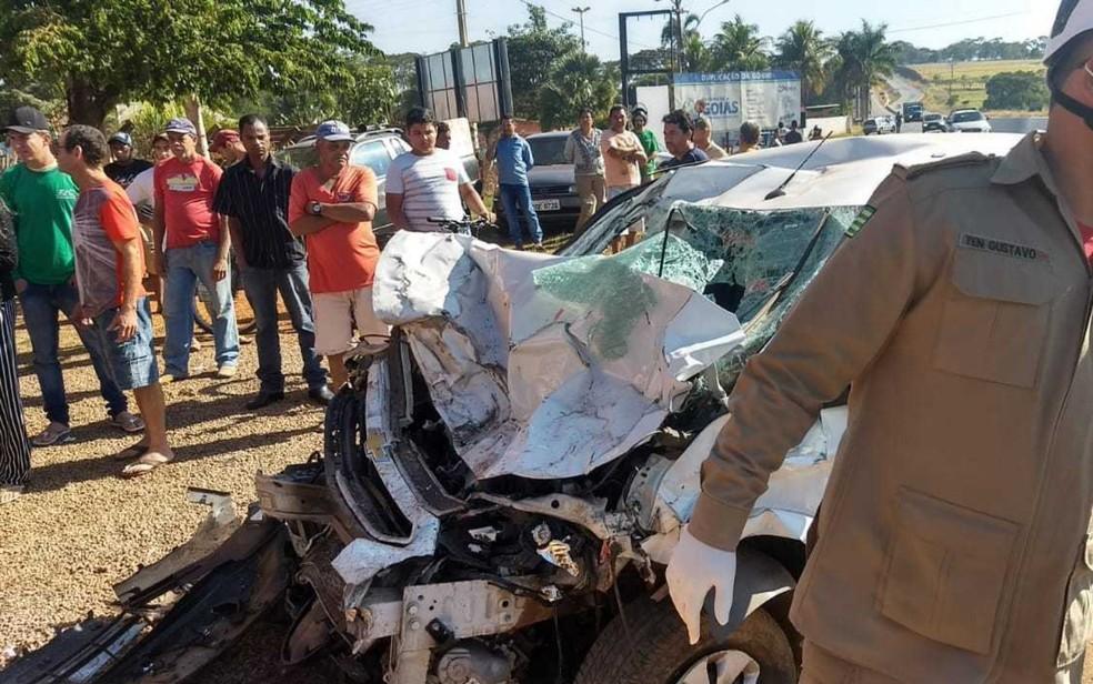 -  Acidente deixa um homem morto e três feridos na GO-080 em Nerópolis  Foto: Divulgação/Bombeiros