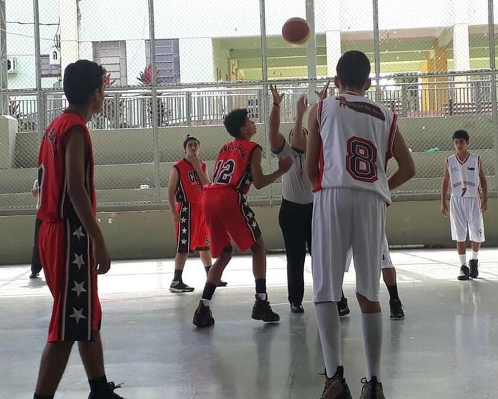 Torneio Acre Rondônia de Basquete masculino teve as finais disputadas no último domingo, em Rio Branco (Foto: Feab/Divulgação)