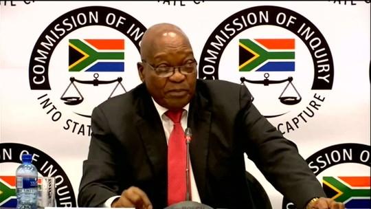 Ex-presidente da África do Sul, acusado de corrupção, diz ser vítima de conspiração