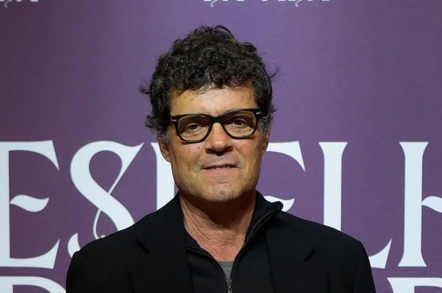 Felipe Camargo interpreta Américo em 'Espelho da vida' (Foto: TV Globo)