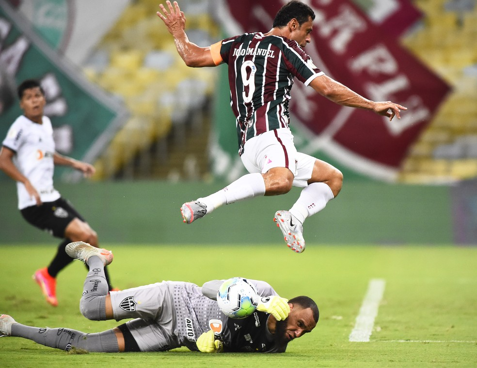 Fred e Everson em Fluminense x Atlético-MG — Foto: André Durão