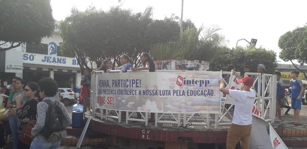 TUCURUÍ, 9H: Alunos e professores da UFPA paralisaram as atividades em Tucuruí — Foto: Reprodução/ TV Liberal