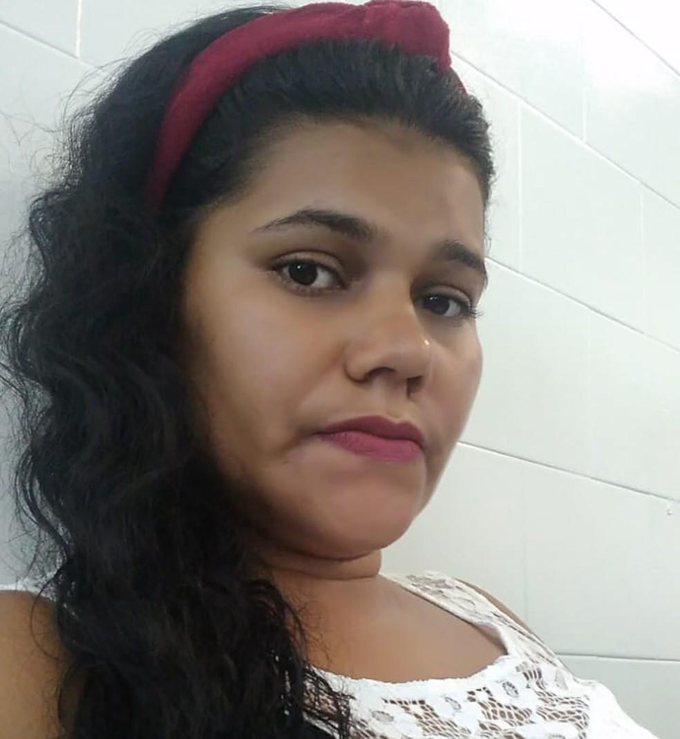 Rosângela mora no bairro do Coque, no Centro do Recife — Foto: Reprodução/WhatsApp