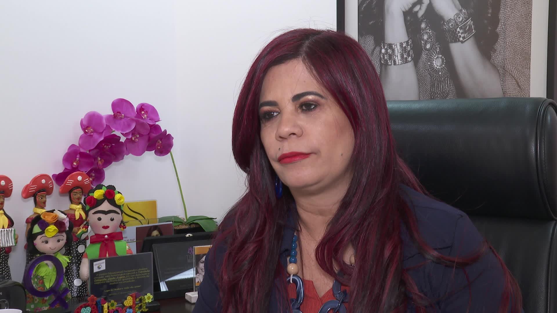 'A polícia quer as delegacias de plantão abertas, a gente tem lutado em relação a isso', diz delegada Gleide Ângelo