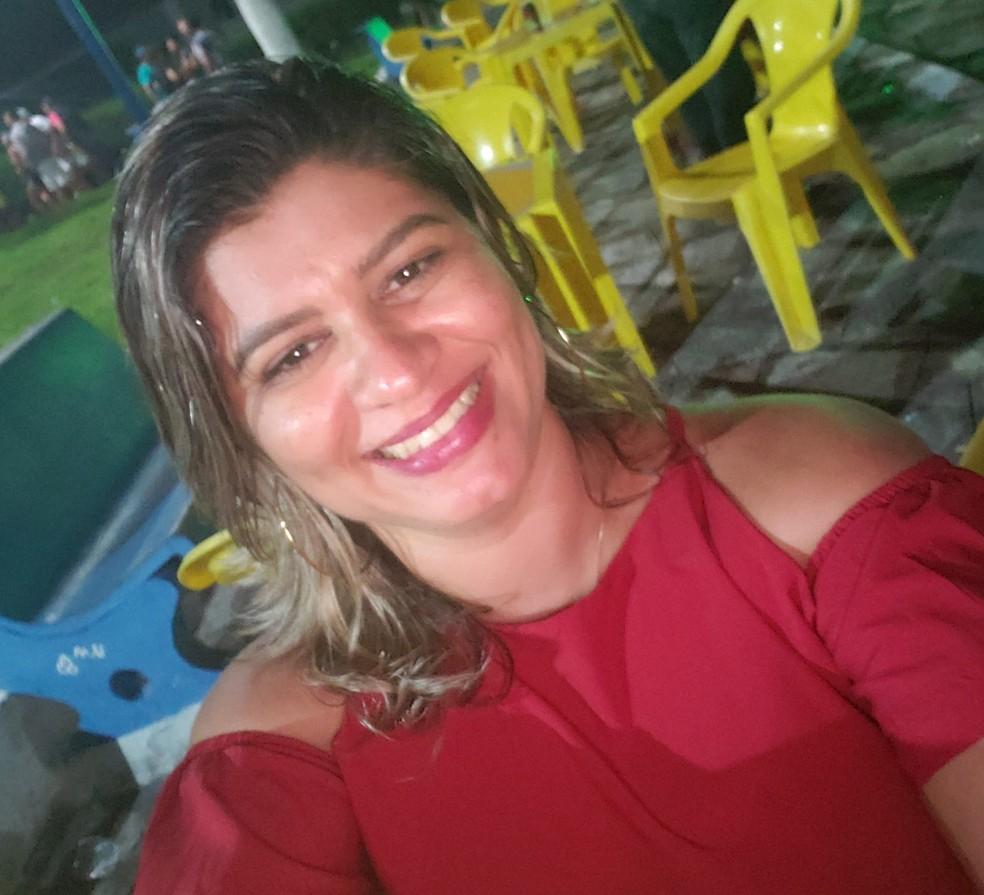 Februska Emanuely Ferreira tinha 34 anos e foi morta a tiros em João Câmara, RN — Foto: Facebook/Reprodução