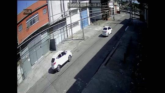 Vídeos mostram ataque a carro da deputada Martha Rocha no Rio