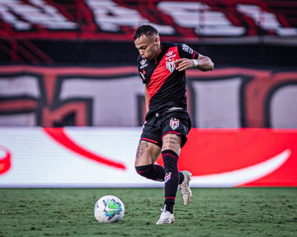 Corinthians libera, e Janderson fica mais um ano no Atlético-GO