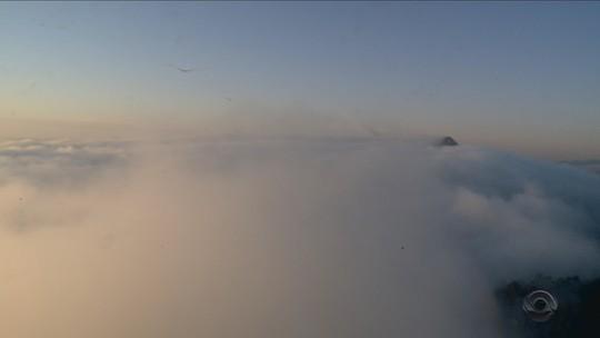 Nevoeiro afeta voos em aeroportos de SC